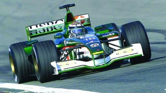 Stage de pilotage F1 PERFORMANCE – 20 min FR (X2) + tours F1 – Circuit de Magny-Cours Grand Prix